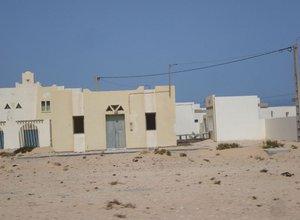 800px-Empty_Town_Western_Sahara.jpeg