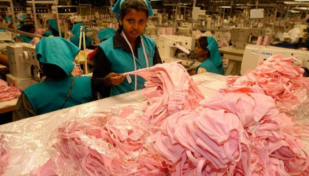 Garment factory, Sri Lanka. ILO/M.Crozet/Flickr. (CC 2.0 by-nc-nd)