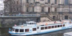 Berlin_passenger_ship_ILLYA Kondratyuk (Flickr user ILESH)_via Wikimedia_Commons
