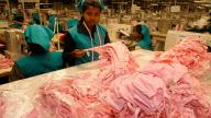 Garment factory, Sri Lanka. ILO/M.Crozet/Flickr. (CC 2.0 by-nc-nd)