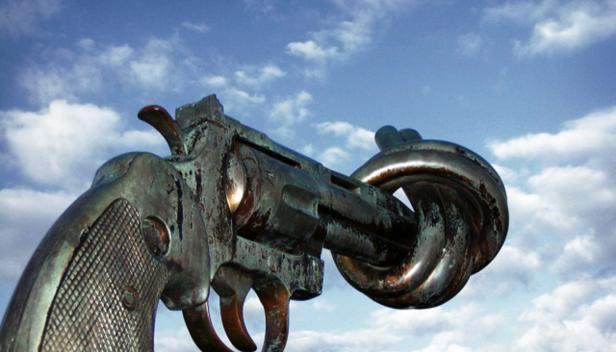 Non_violence_sculpture_by_carl_fredrik_reutersward_malmo_sweden_credit_Francois_Polito_Creative_Commons