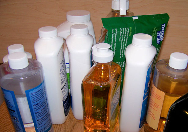 Cleaning products-credit-http://www.publicdomainpictures.net/view-image.php?image=3840&