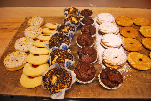 Bakery-credit-http://www.publicdomainpictures.net/view-image.php?image=25591
