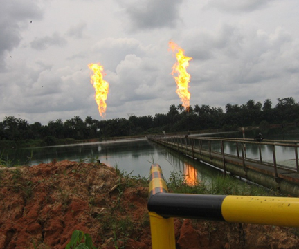 Niger_Delta_Gas_Flares_photo_credit_Chebyshev1983_Wikimedia_Commons
