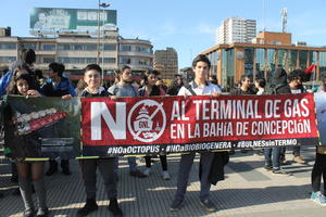 Protestas terminal de gas Chile