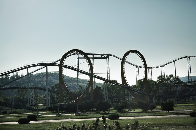 Pyongyang's amusement park, but there is nobody-credit-Roamme