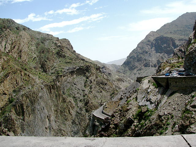 Road_from_Jalalabad_to_Kabul_credit_Todd_Huffman_via_Creative_Commons