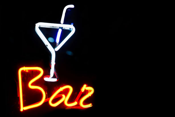 Bar neon-credit-http://www.publicdomainpictures.net/view-image.php?image=10569