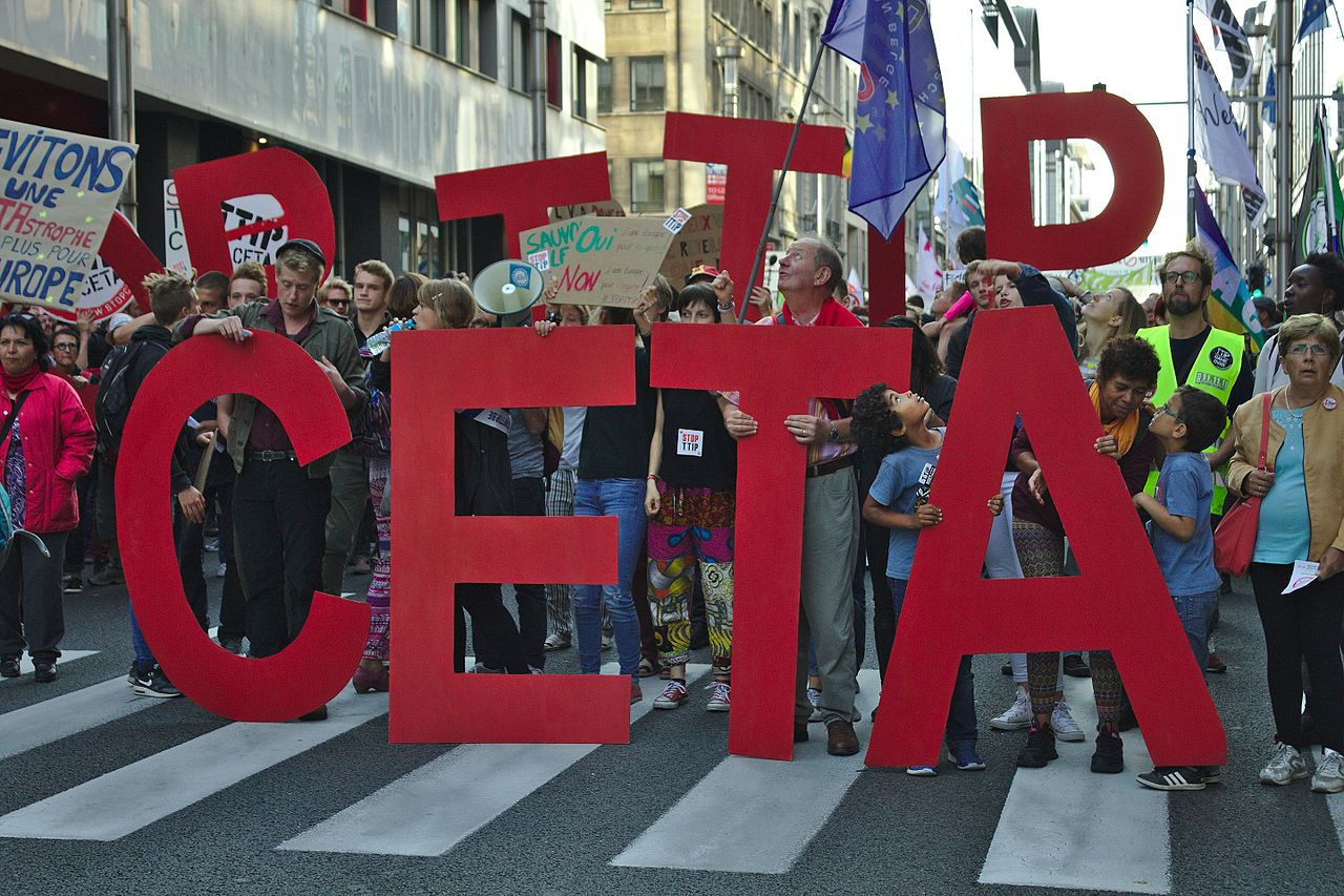 Stop_TTIP-CETA_Protest_in_Brussels_20-09-2016_credit_M0tty