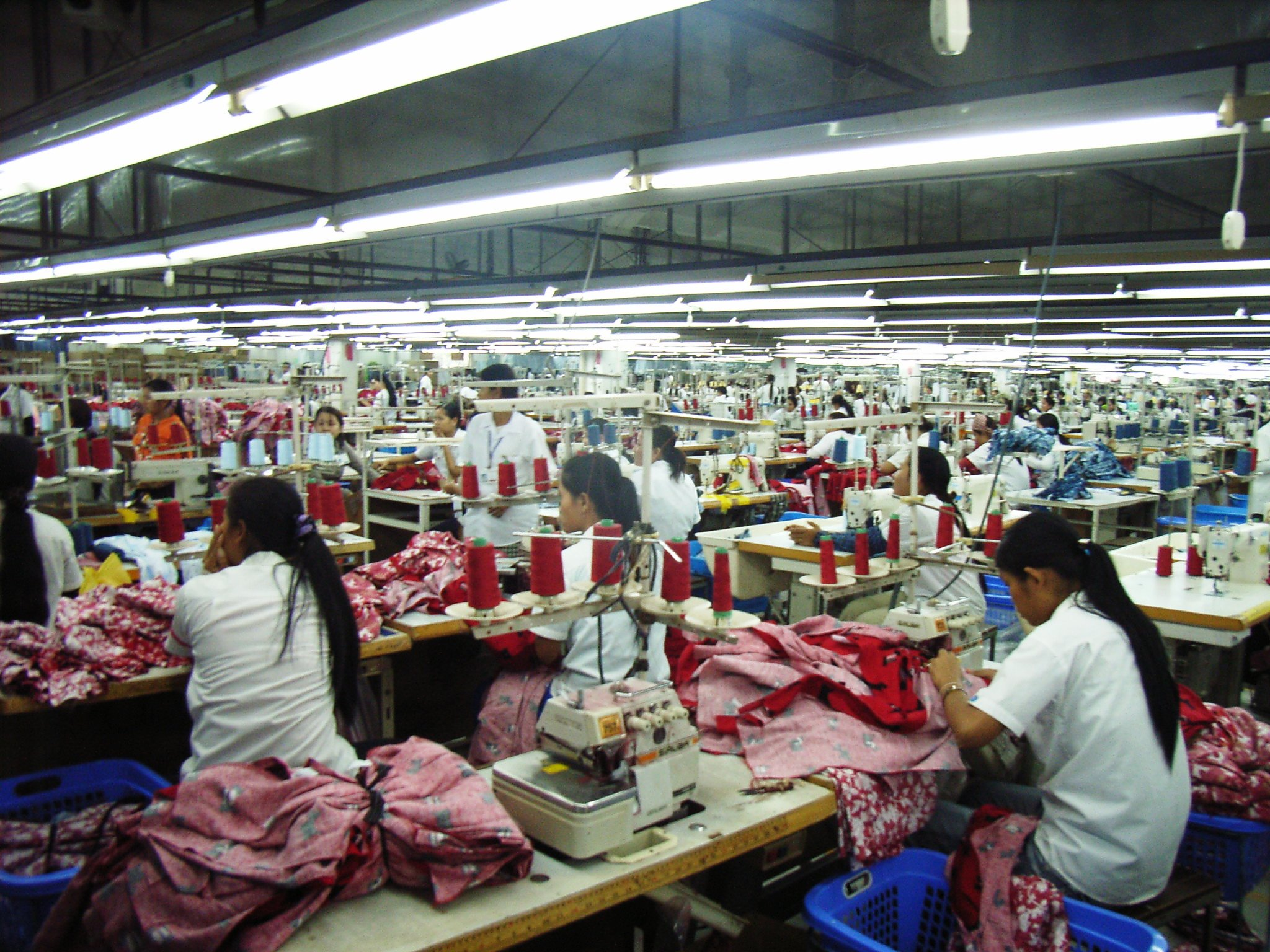 factory_workers_Cambodia_credit_Lowell_Chow