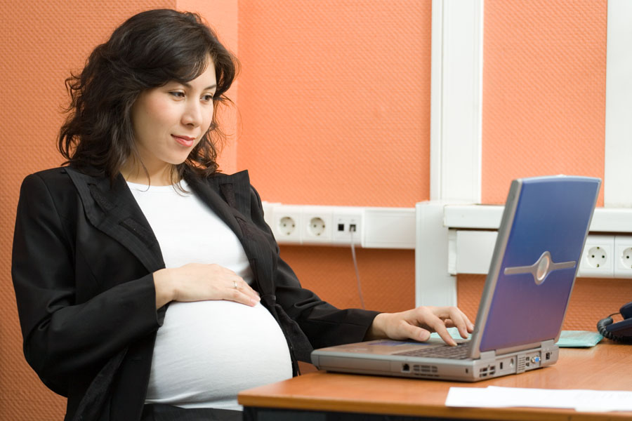 Pregnant-worker-credit-AAUW