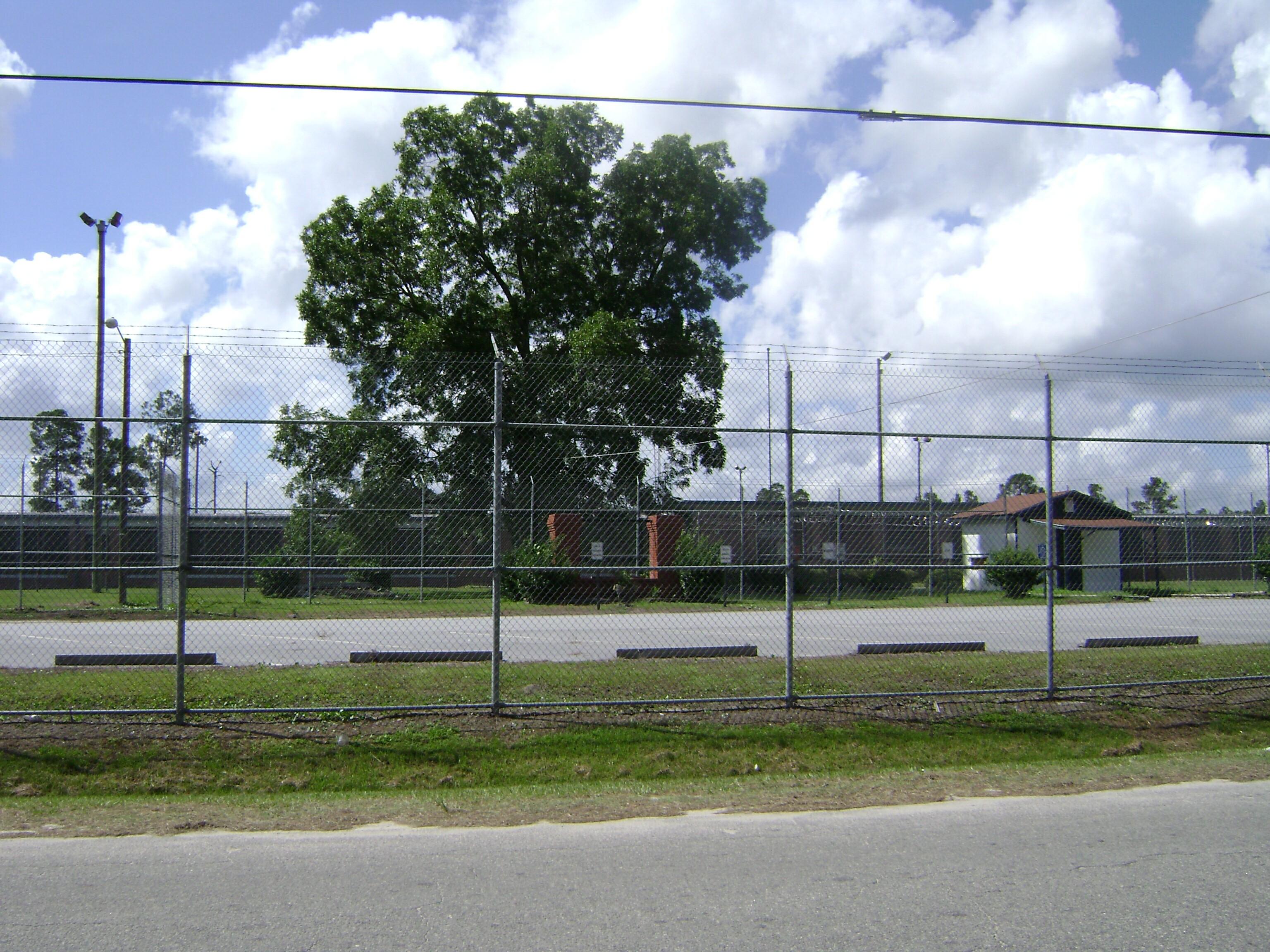 USA: Private prison co  CoreCivic to face lawsuits alleging