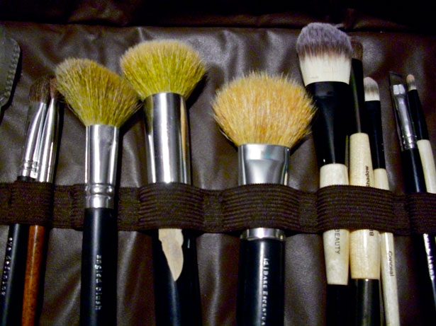 Makeup tools-credit-http://www.publicdomainpictures.net/view-image.php?image=21383&picture=makeup-tools