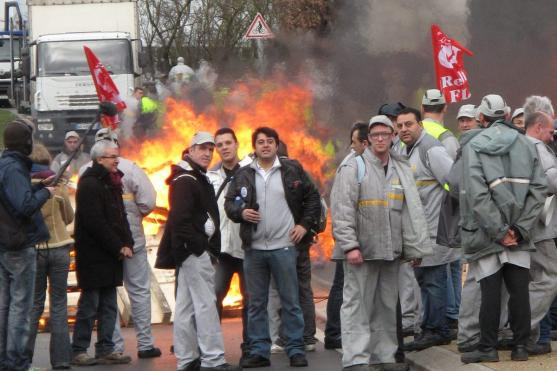 French car workers protest factory closures Photo DPA